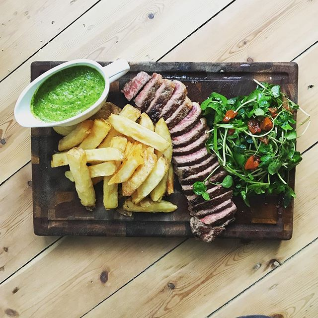 STEAK. This fella is for two to share. It's available on Wednesday @theleytonstar. Last time was a sell out so get your order in people. 21 day aged  400gm Sirloin. Triple cooked chips obvs and salsa verde.