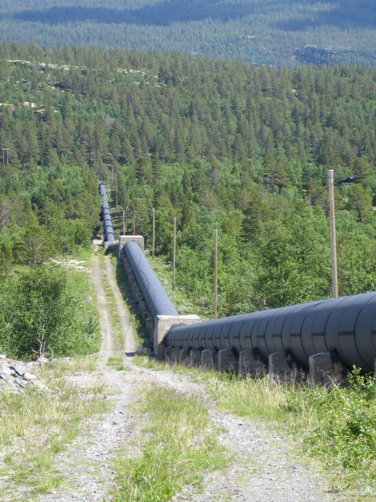 Dagens rørgate fram til Einunna kraftverk.