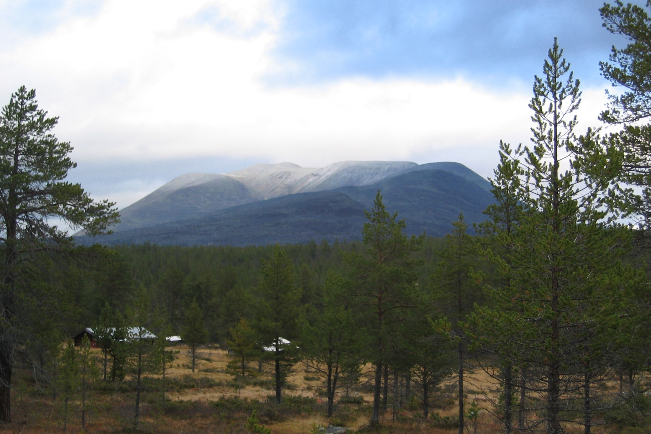 Utsikt mot Sølenmassivet.