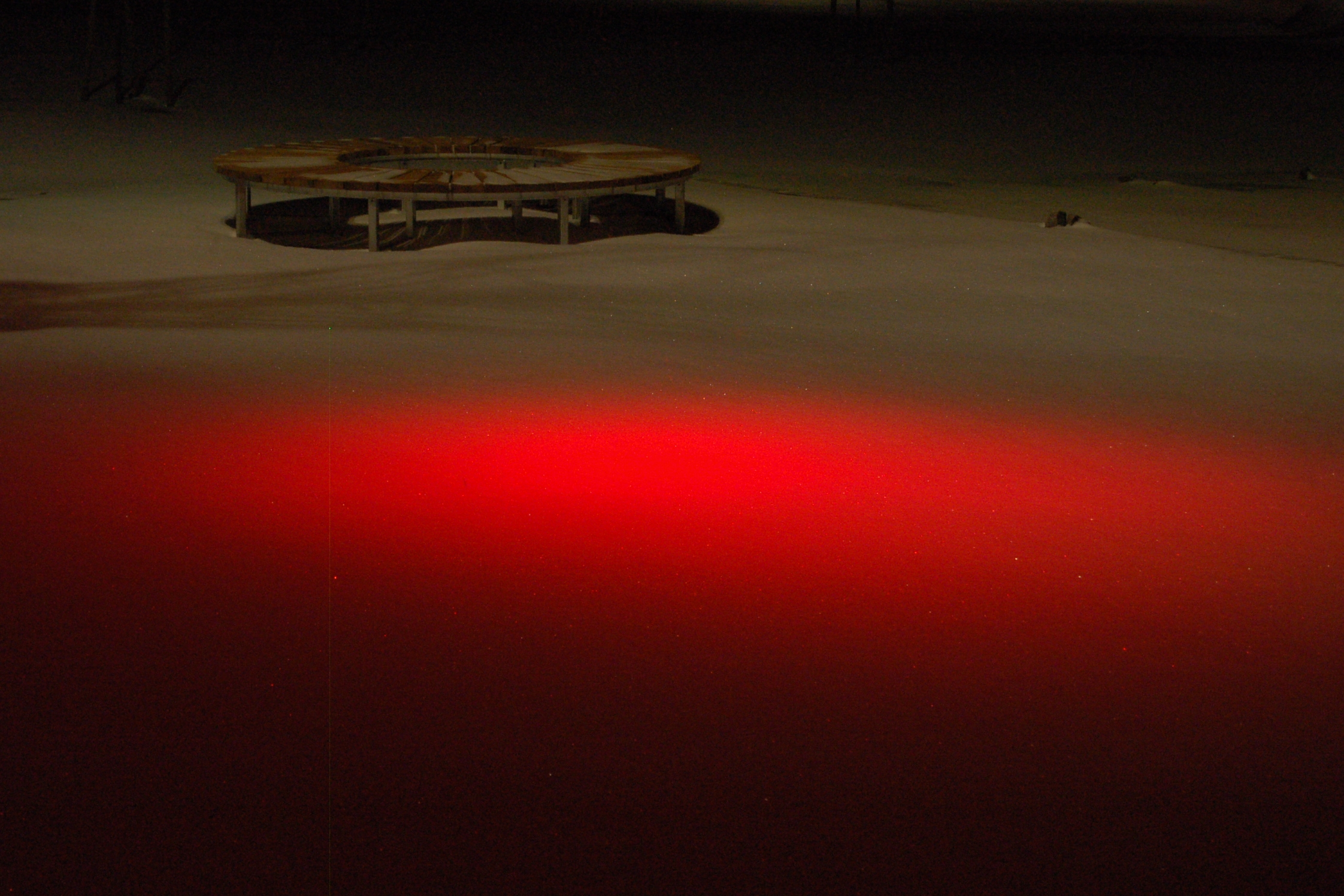 Rødt lys og rund benk