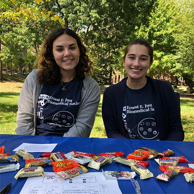We had a blast at yesterday's Grad Fair! We talked to different groups from the Penn community about our amazing society.  #upenn #penngradfest #upenneejust #eejust