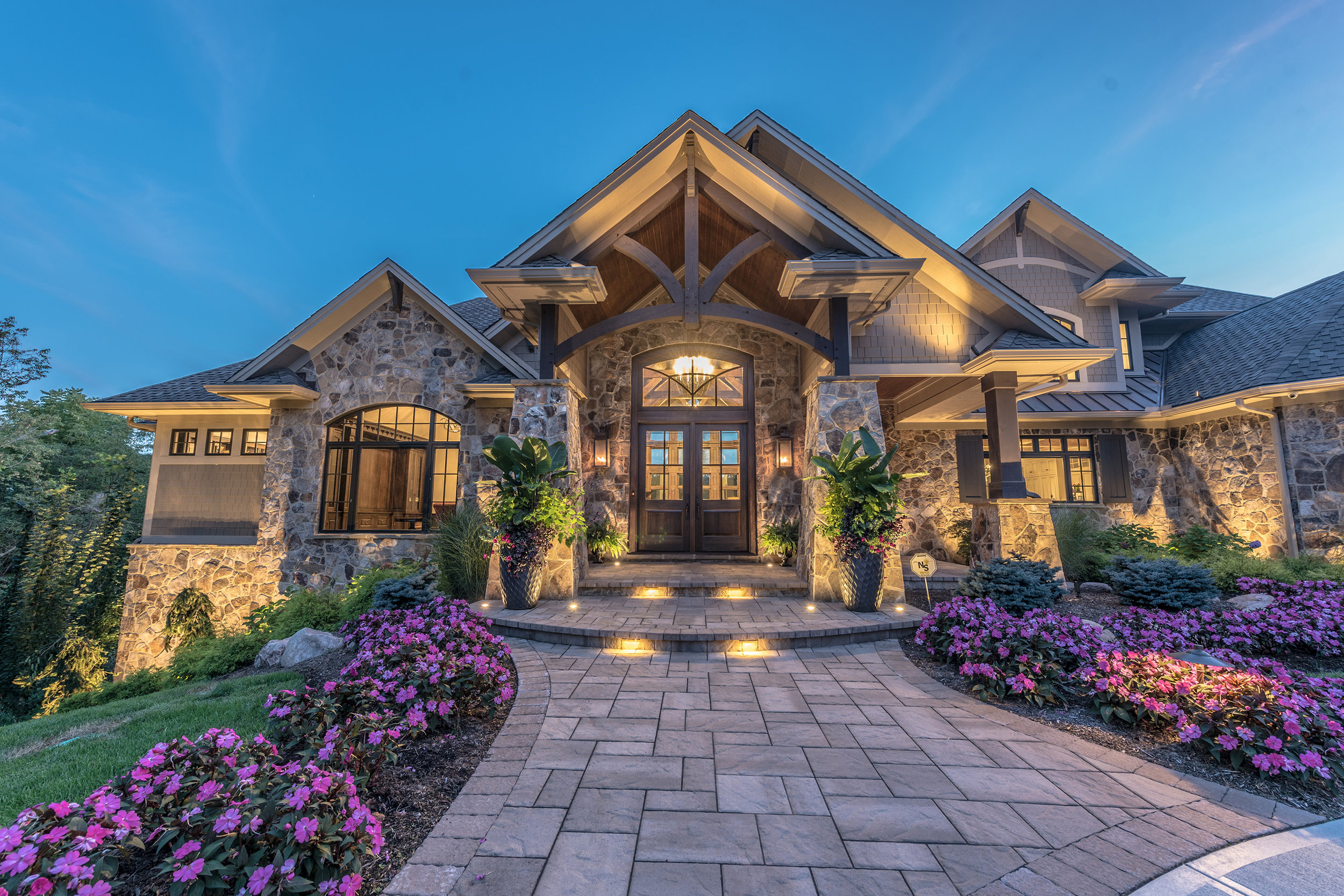 Daniel DeVol Custom Builder Inc. - Beavercreek Residence Woodridge 2.jpg