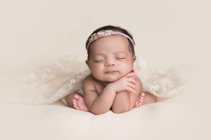 newborn girl froggy position