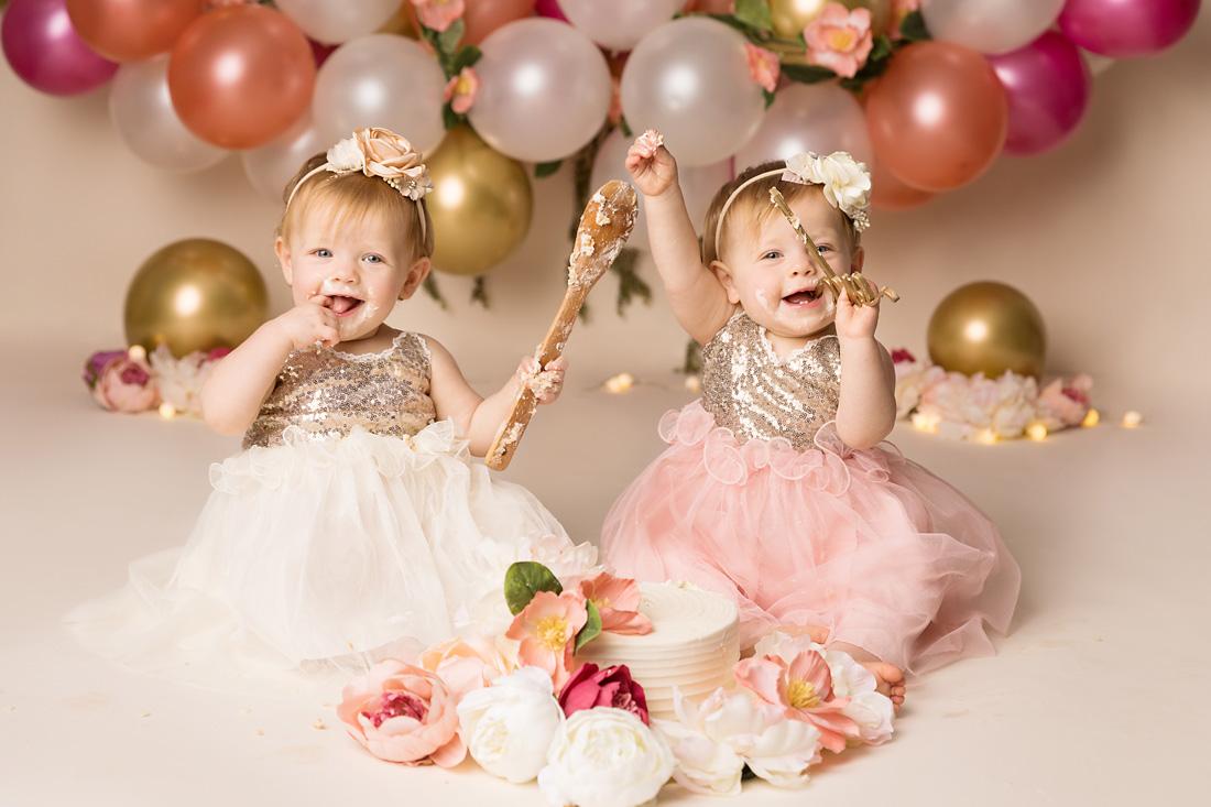 one year old twin girls cakesmash