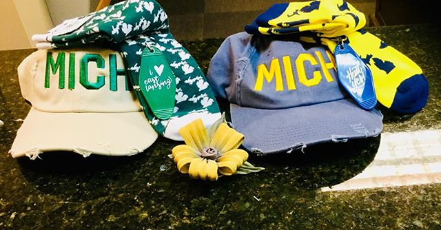 #GoBlue! #GoGreen! We go both ways😍