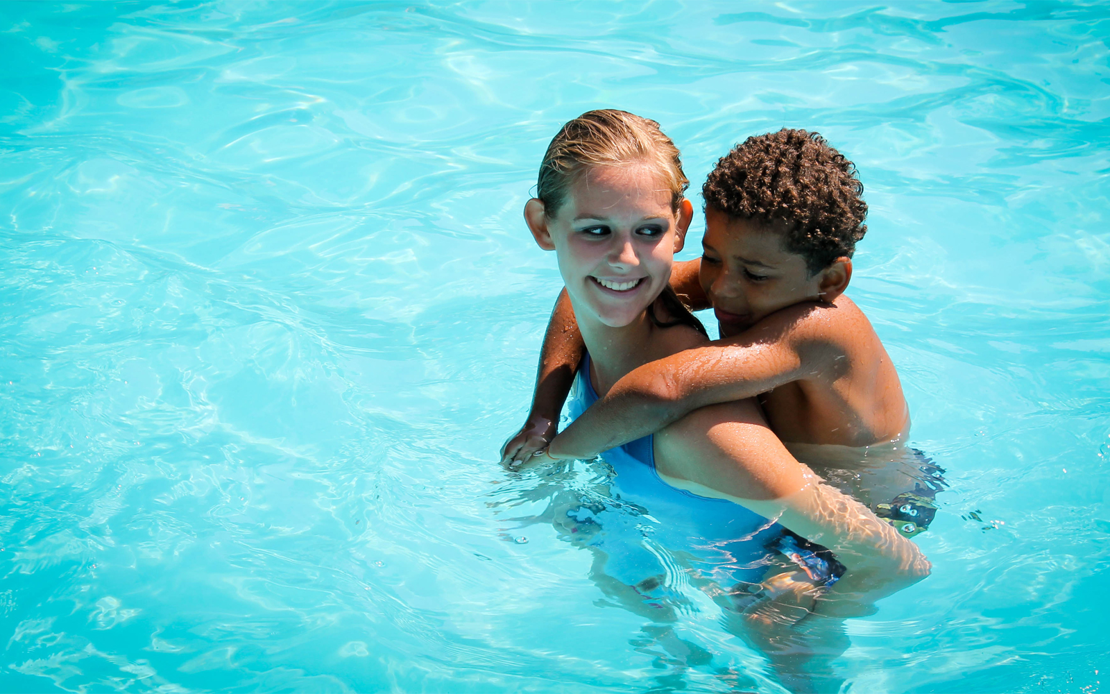 Swimming lessons & free swim