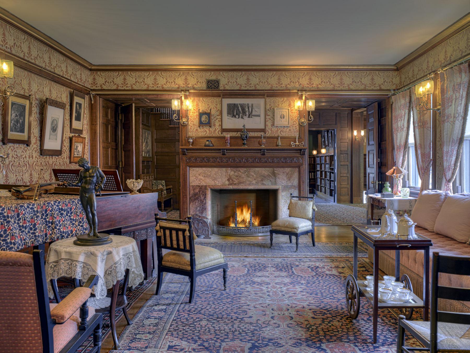 Glessner House parlor.jpg
