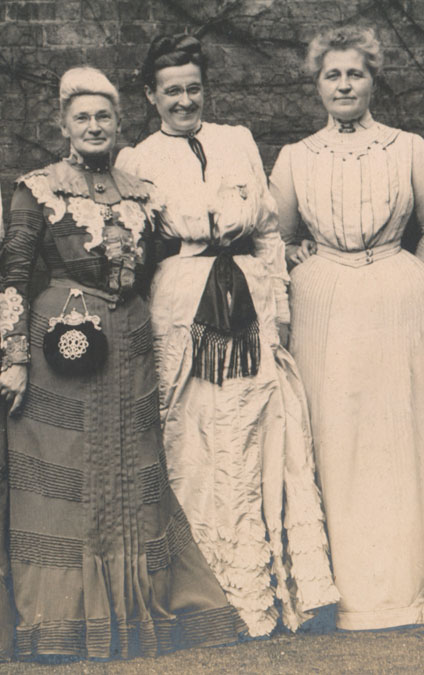 Ada Moore (center) with Reading Class members Alice Hyde (left) and Julia Herrick (right), May 5, 1902