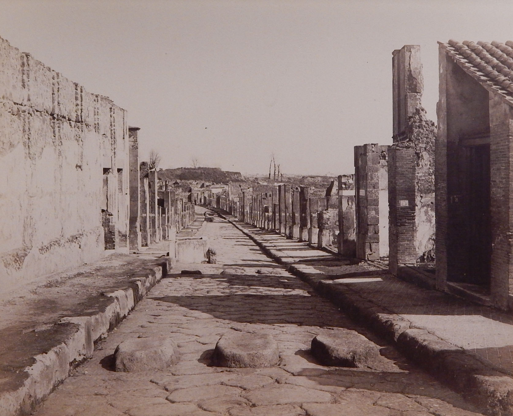 Photo by G. Sommer of the ruins of Pompeii