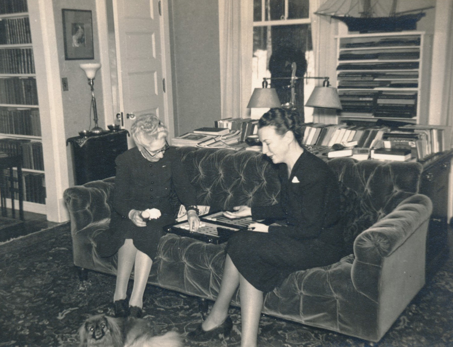 George and Alice Glessner's home, The Ledge, in Bethlehem, New Hampshire. Sleep is shown at left over the table lamp.