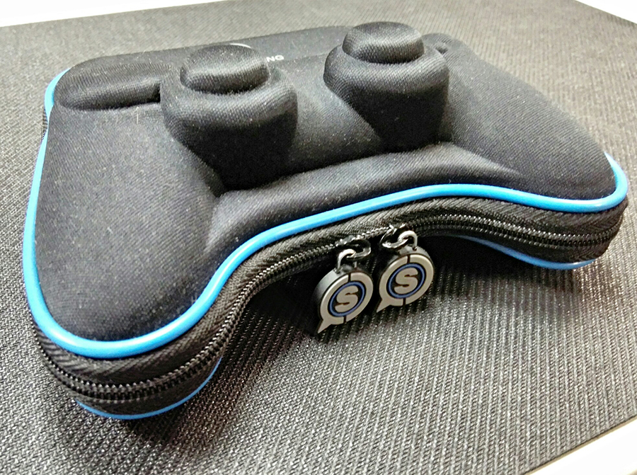 This is by far the coolest controller case I've ever owned. Kind of looks like a spaceship. Image Credit:  Pintsizeginger