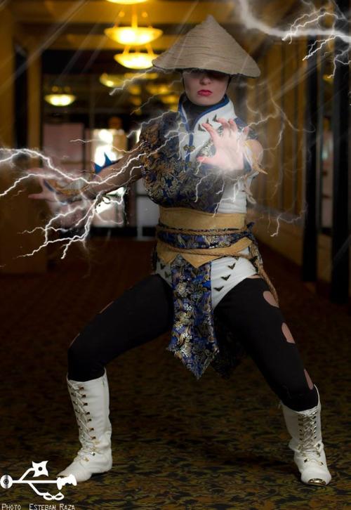 femaleraiden3.jpg