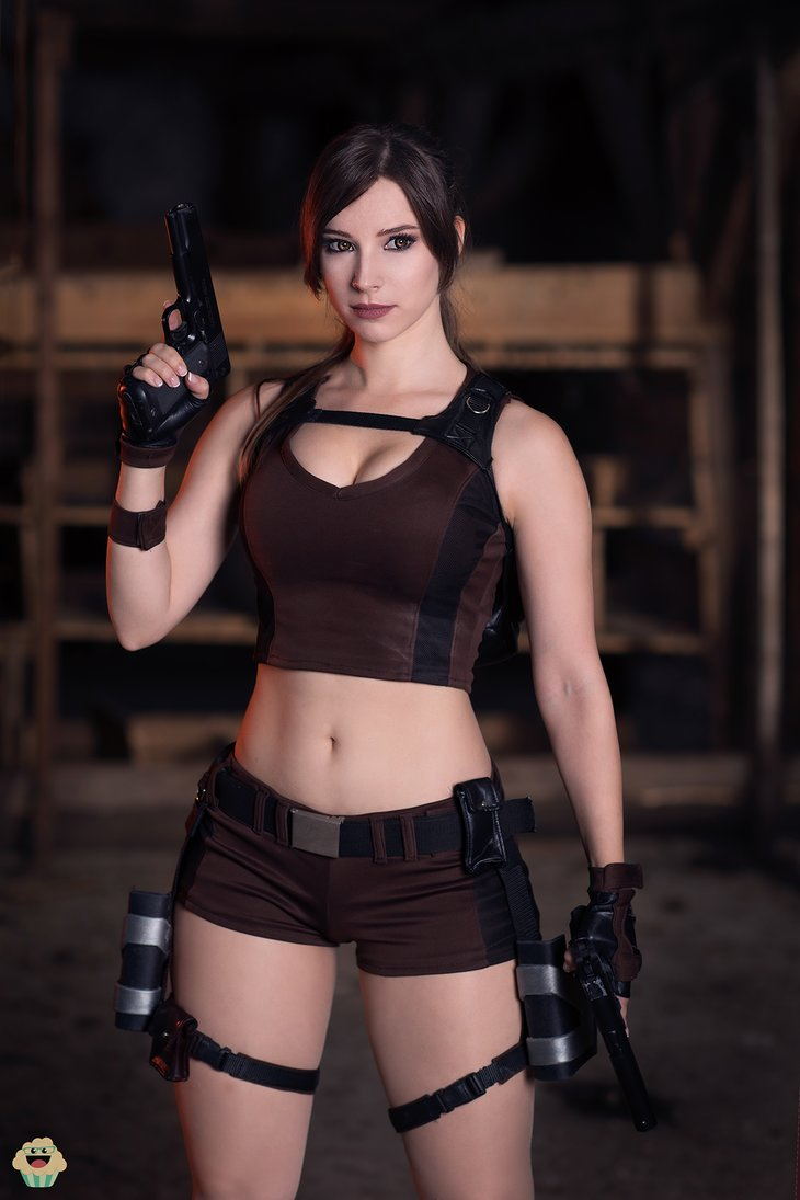 lara_croft___tomb_raider_cosplay_ii__by_enjinight-dbl0q0c.png