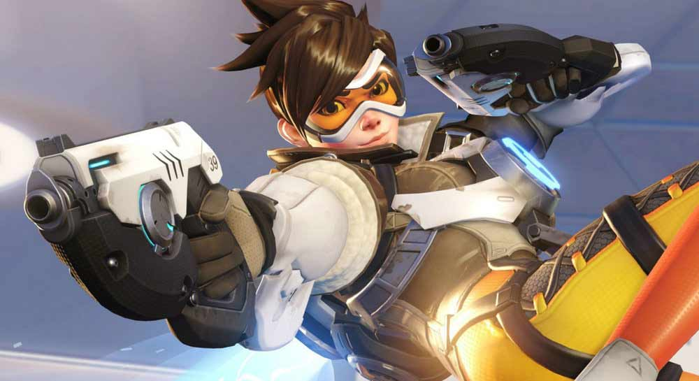 Tracer_Action_Pose.jpg
