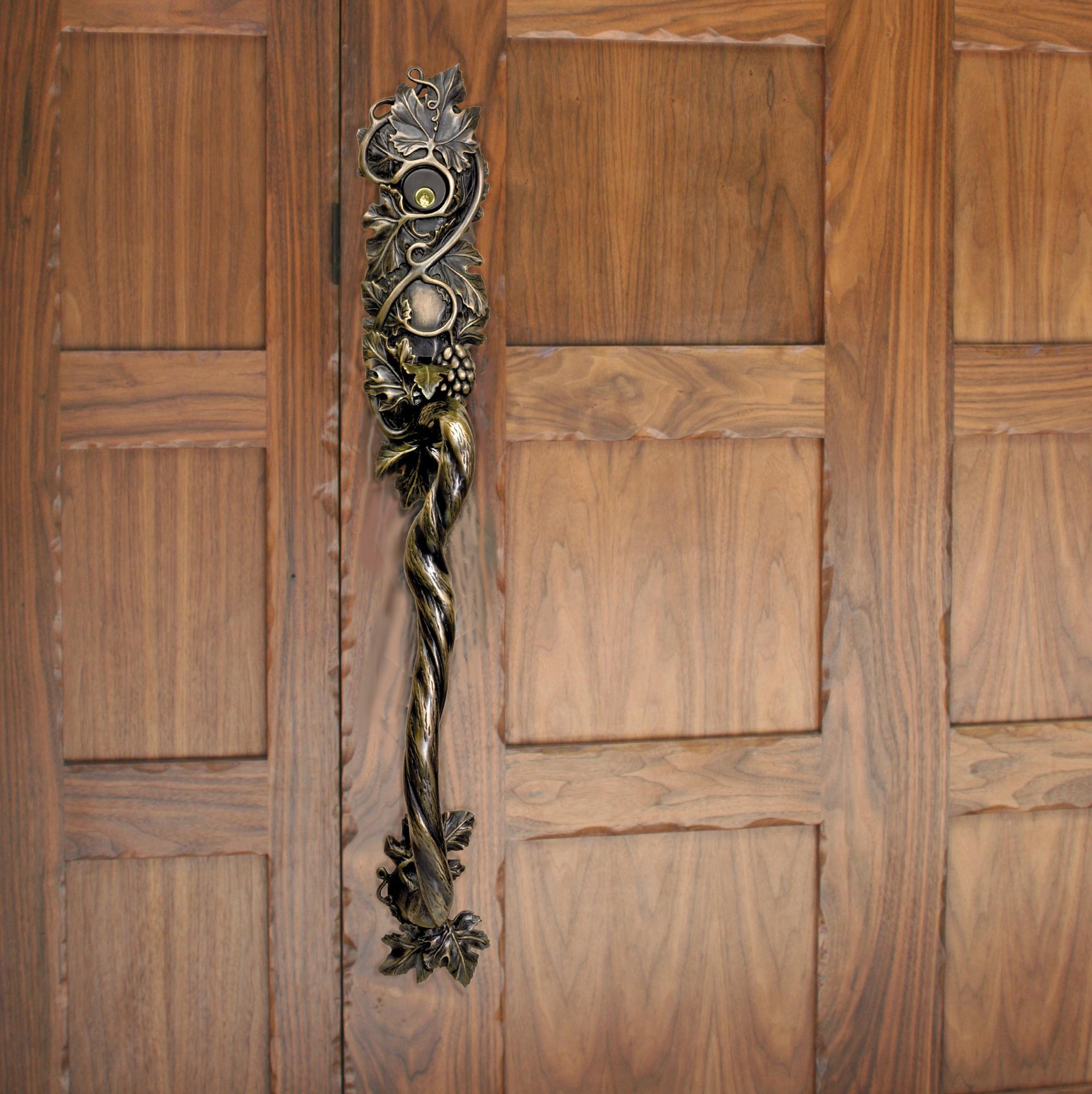 Grapevine entry door  latch