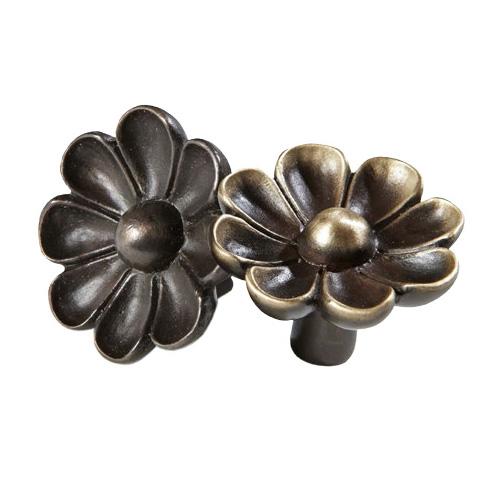plant-cabinet-knob-daisy