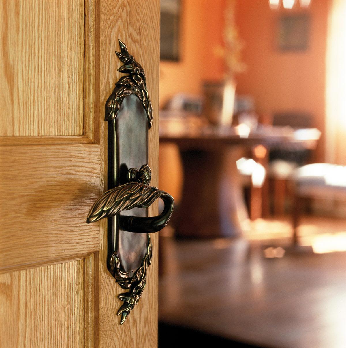 traditional-door-hardware-willow.jpg