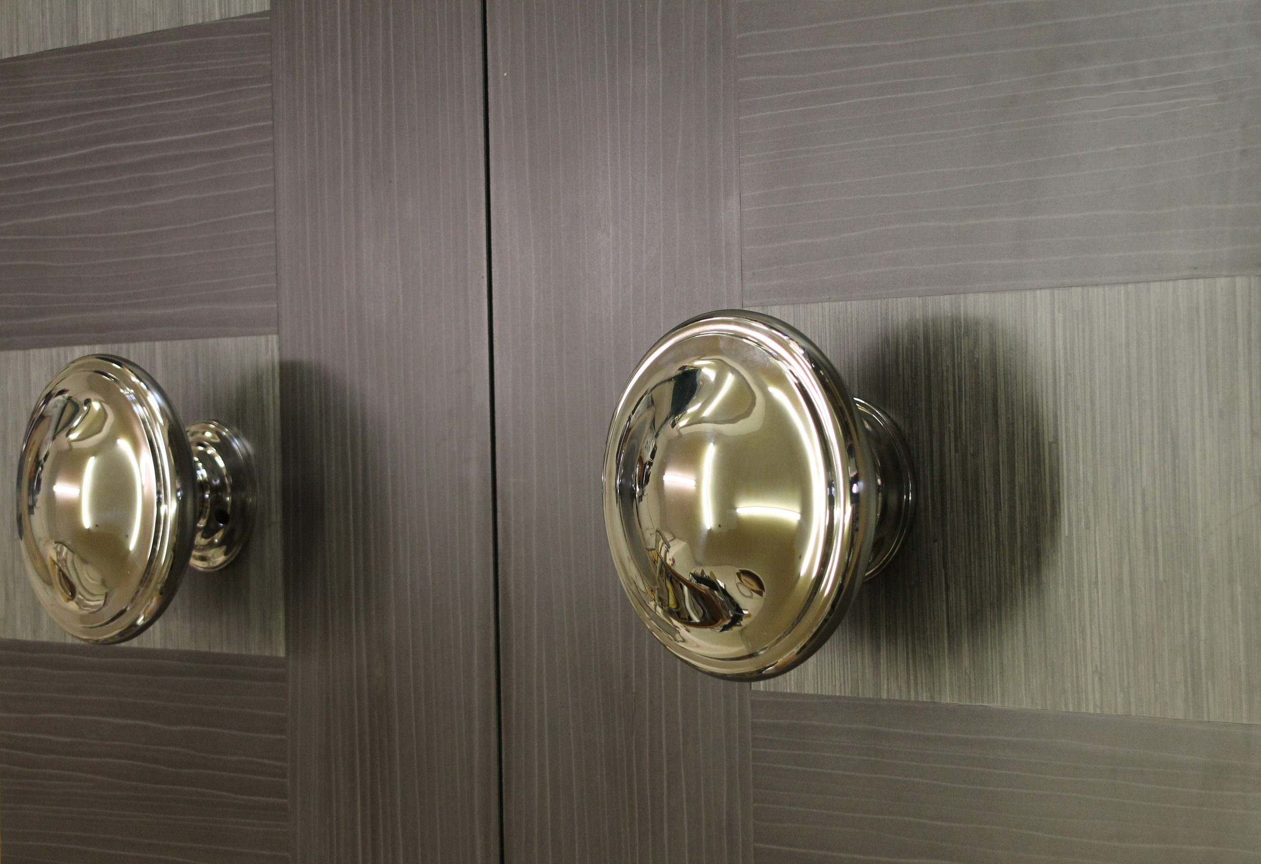 Big Knob on door 2.jpg