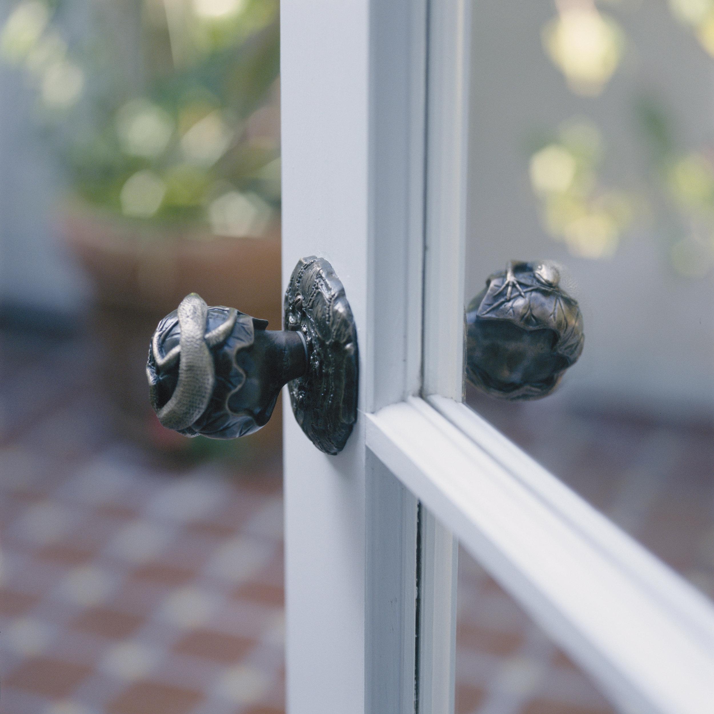 lizard-door-knob-patio-door-knobs.jpg