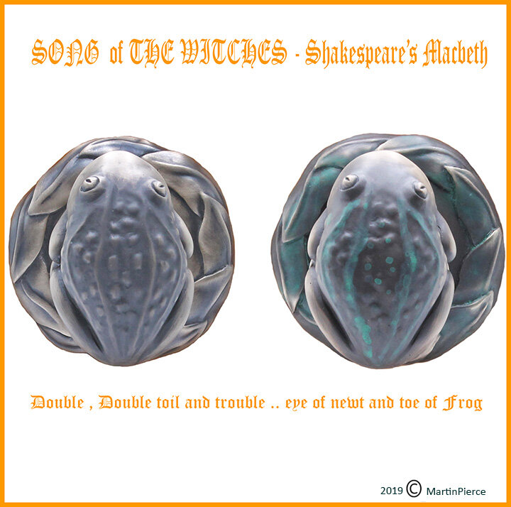 Halloween Frogs 1.jpg