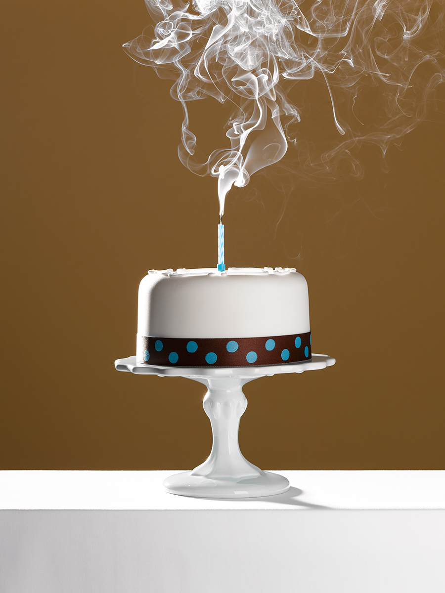 3-Cake-on-stand_single-candle_blown-out_72dpi_FW.jpg