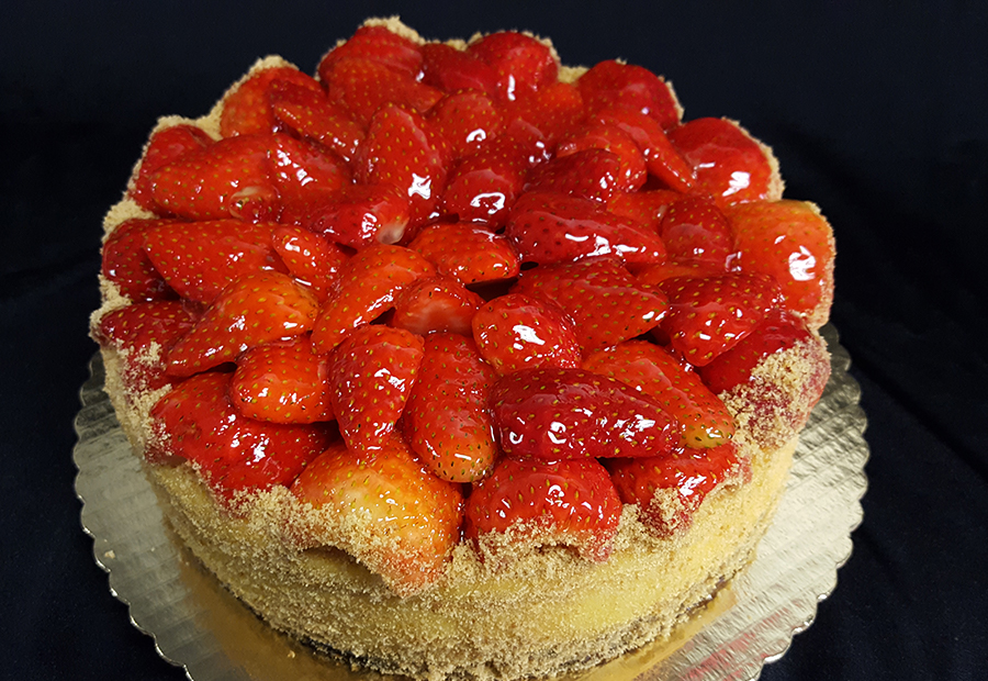 sig cake-strawberry cheesecake.jpg