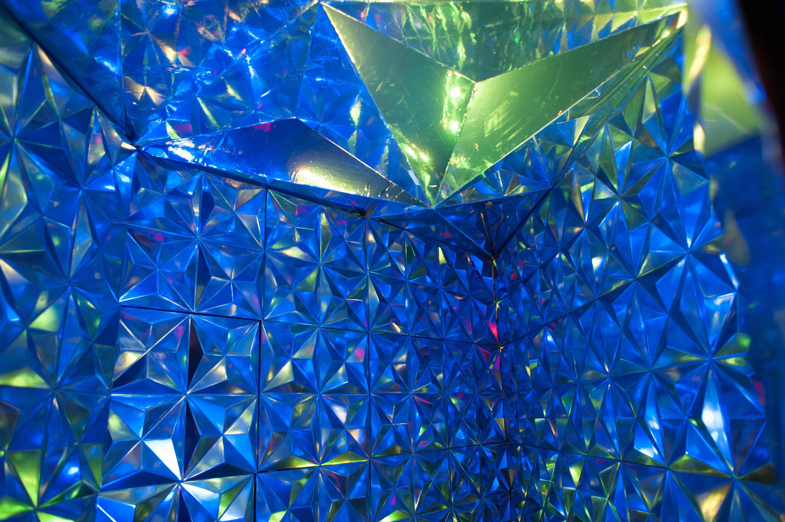 Projective Dualism 2.0_Wendy W. Fok_Illuminus 2015_Photo by Tina Tian_2.jpg