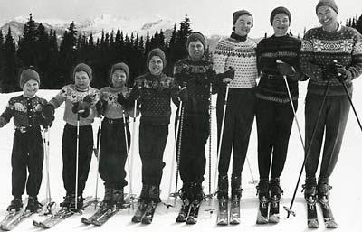 allen_family_skiing_400_wid.jpg