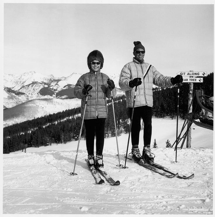 fd1a5ac2803d8045f53512b5cb15895f--vintage-ski-photo-vintage.jpg