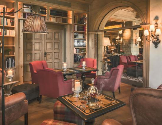 the-lobby-bar-fumoir.jpg