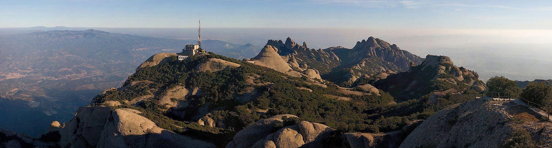 Montserrat_Mountains,_Catalonia,_Spain_-_Jan_2007.jpg