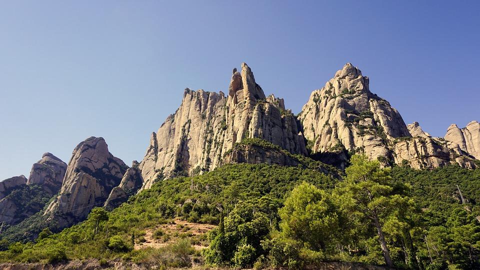 mountains-2498191_960_720.jpg