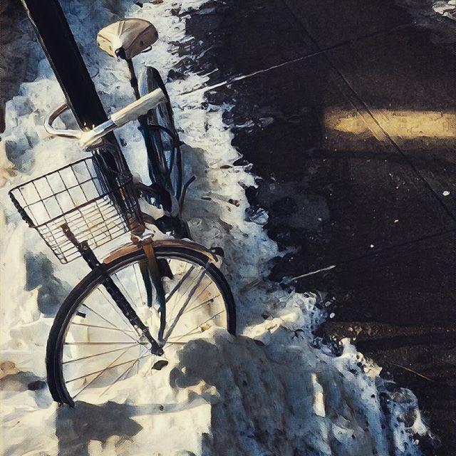 Frozen cold bike. . . . #snow #williamsburg #brooklyn #bike #bicycle #cold #frozen #newyorkcity #citylife #picoftheday #sidewalk #nyc winter
