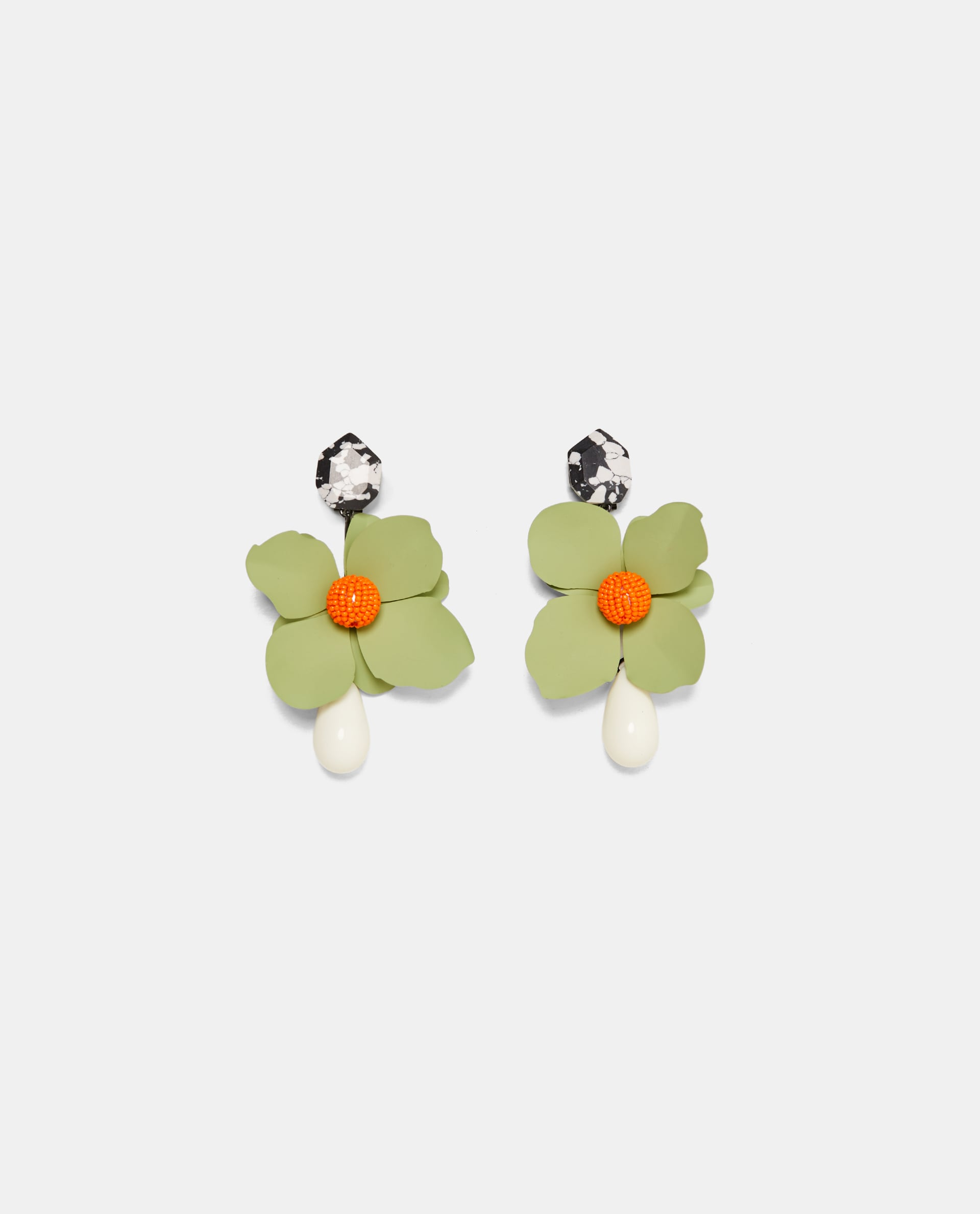 Zara Ovesized Floral Earring.jpg