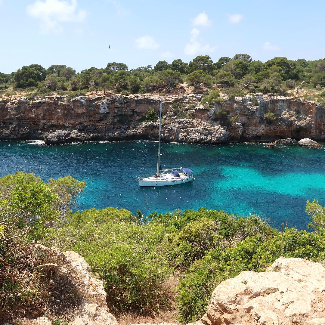 Hiking Beaches Mallorca Spain.jpg