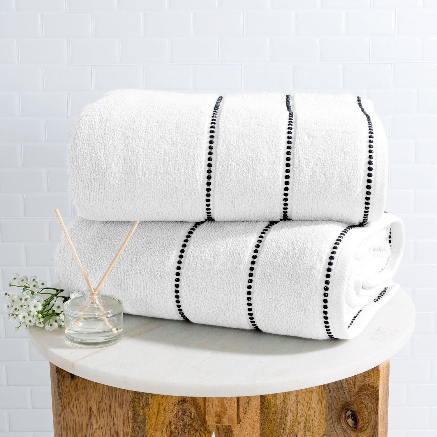 WHITE & BLACK LUXURY COTTON TOWEL SET OF 2