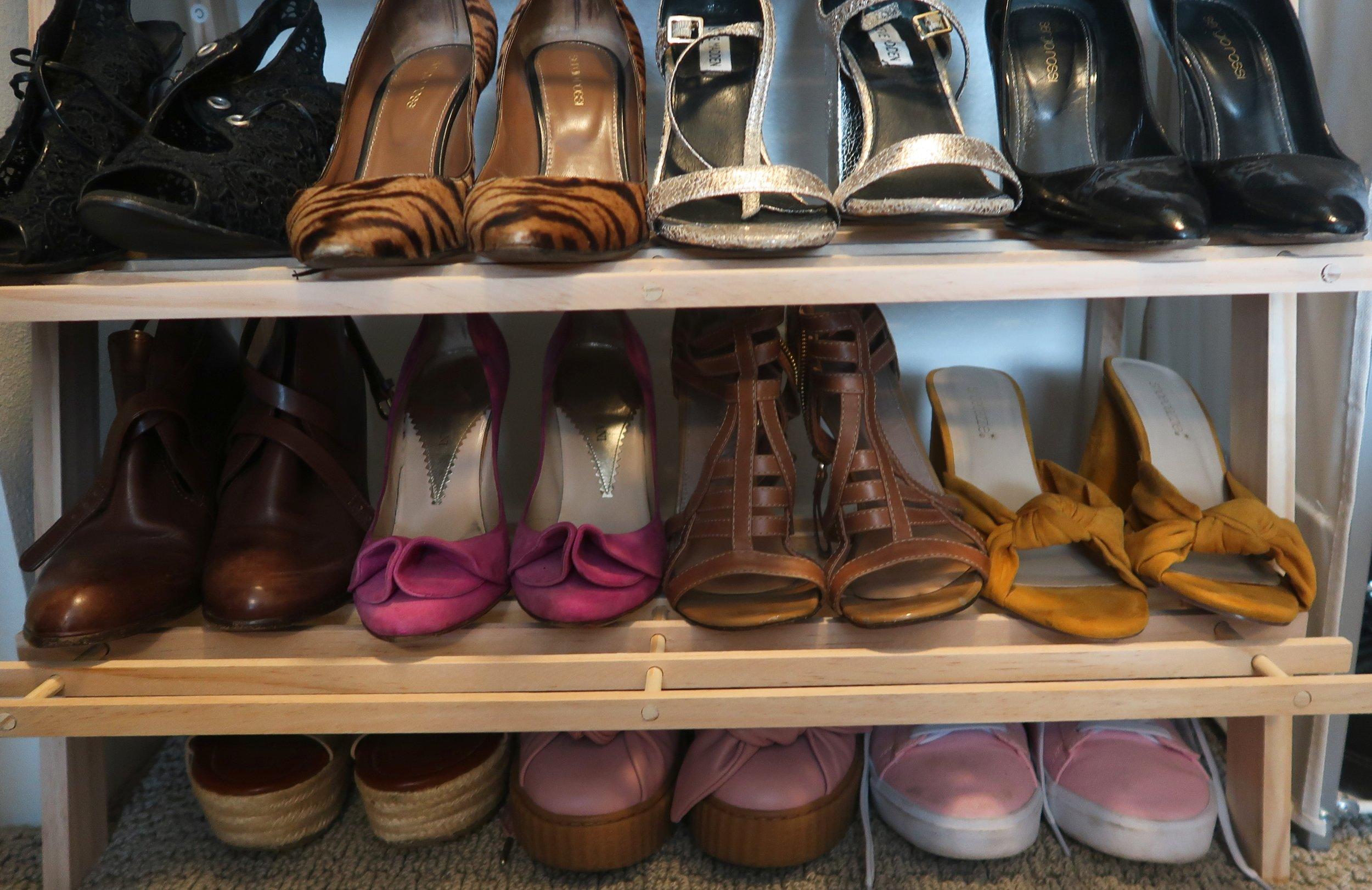 whitmor shoe shelf.jpg