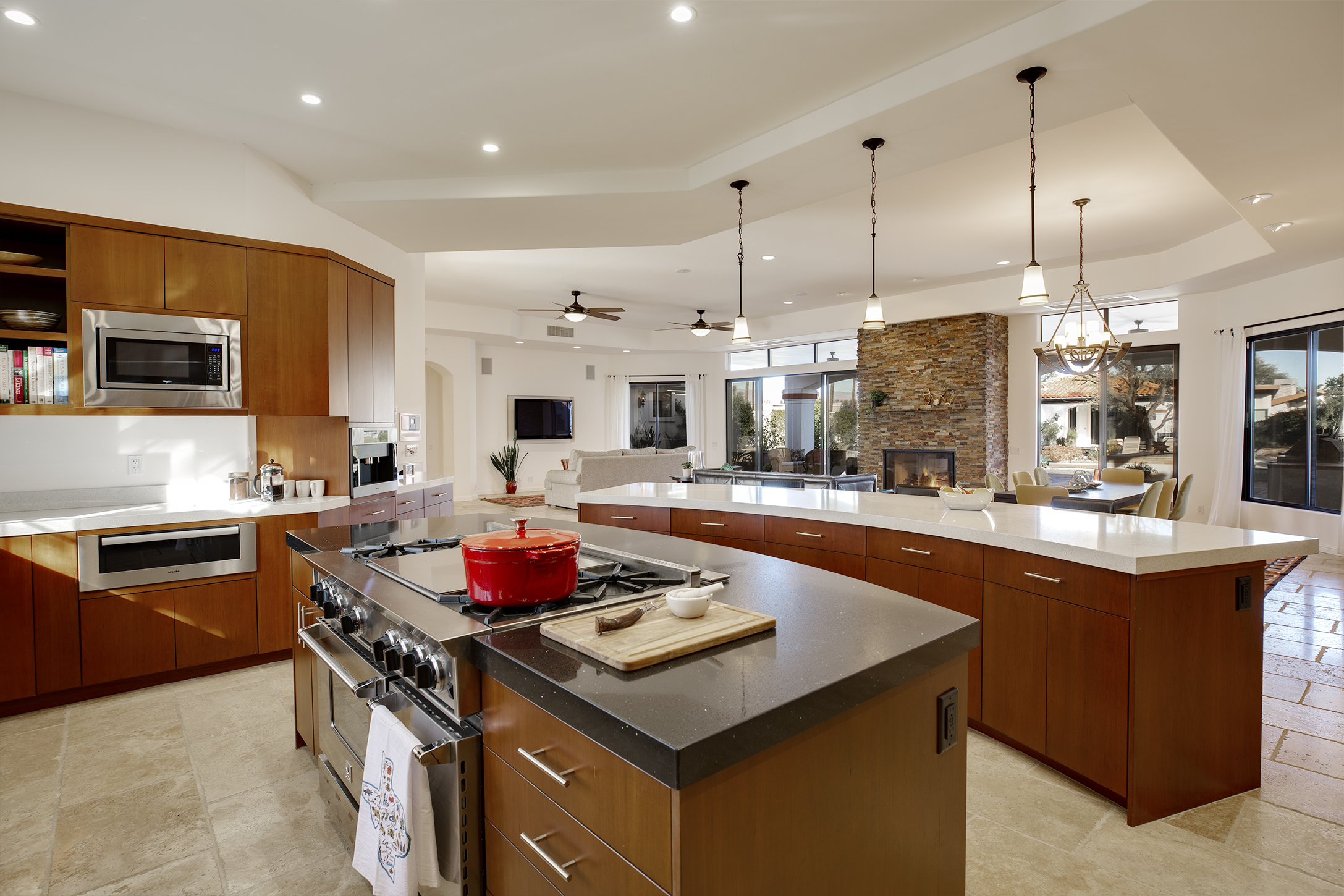 """39100 Vista Dunes Rd, Rancho Mirage. 1 + acre site, walled and gated. No HOA dues or restrictions. Owned solar panels. 4 beds, 6 baths, casita, """"bonus"""" studio space. gourmet kitchen. $1,786,000"""