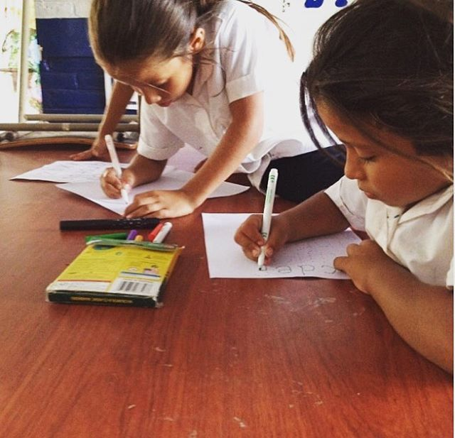 S!rens in the making in #ElSalvador 🧠💪While our Community Labs teach women skills they can use today they also harness the potential of girls and inspire the next generation of female entrepreneurs #elfuturoesfemenino #PeaceCoprspartnership