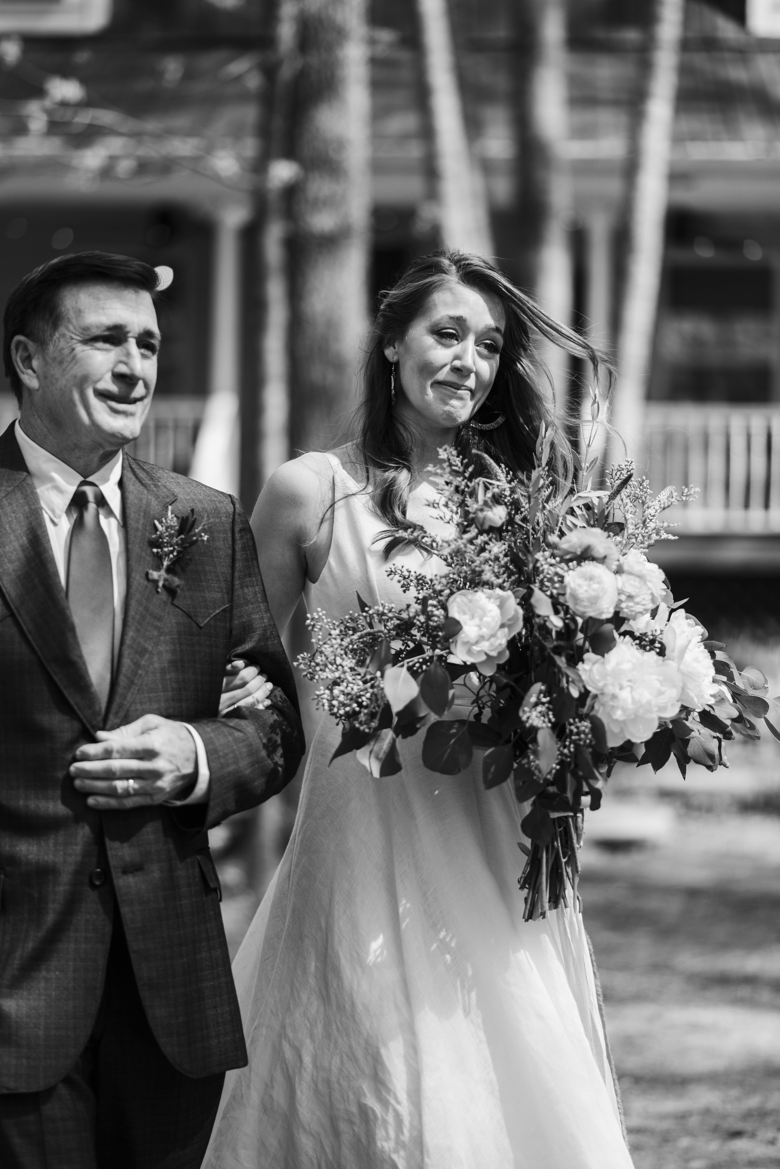 wedding ceremony bride and father aisle chattanooga Tennessee