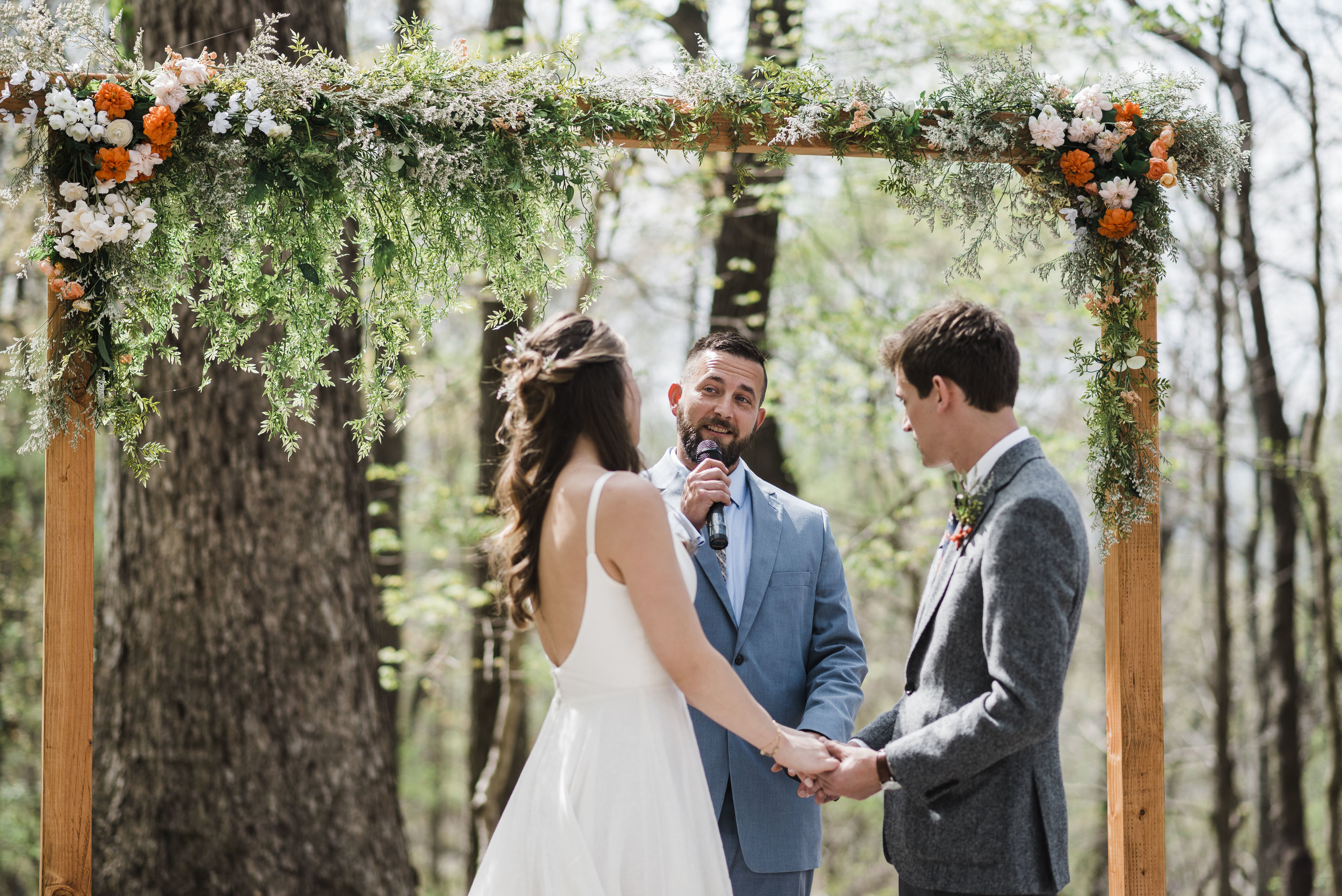 wedding ceremony altar officiant chattanooga Tennessee