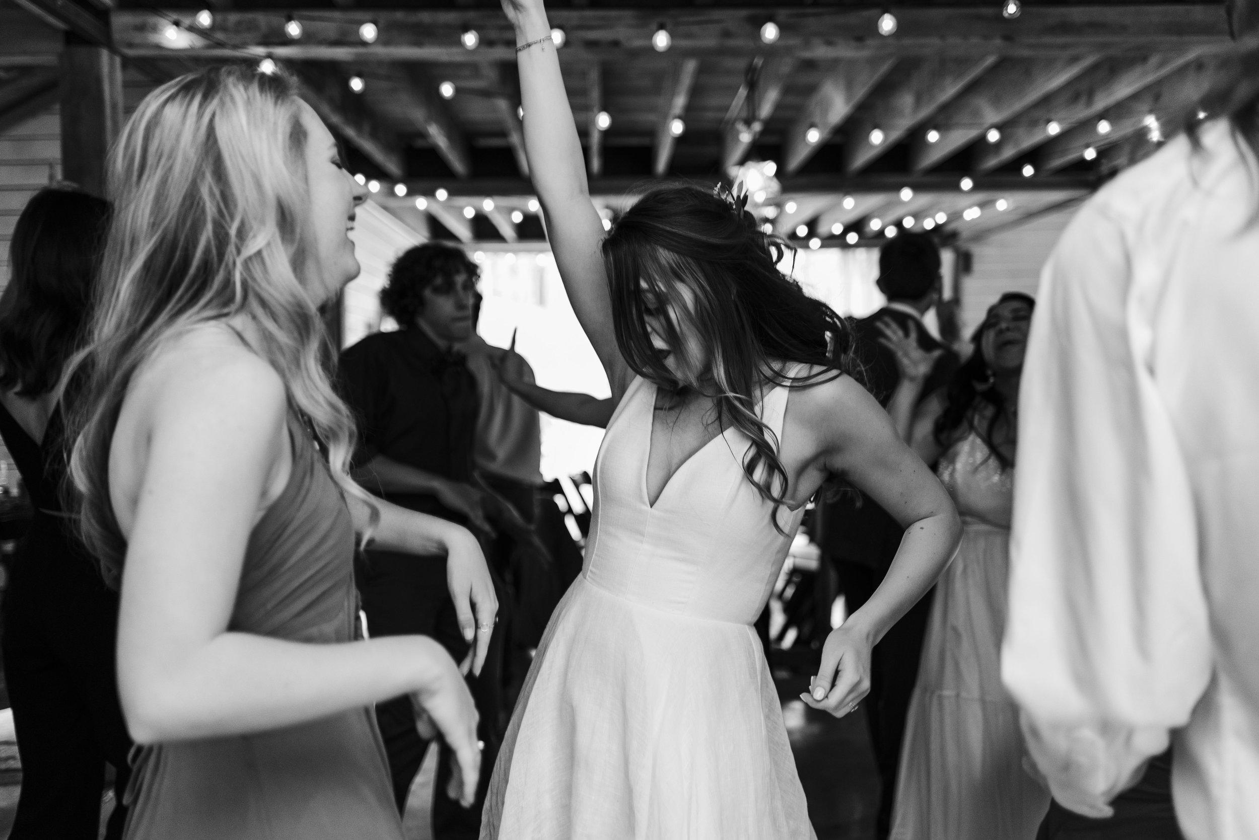 wedding bride dancing reception Chattanooga Tennessee