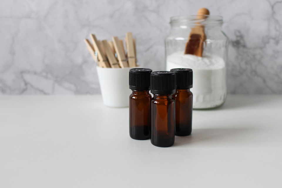 essential-oils-4017611_960_720.jpg