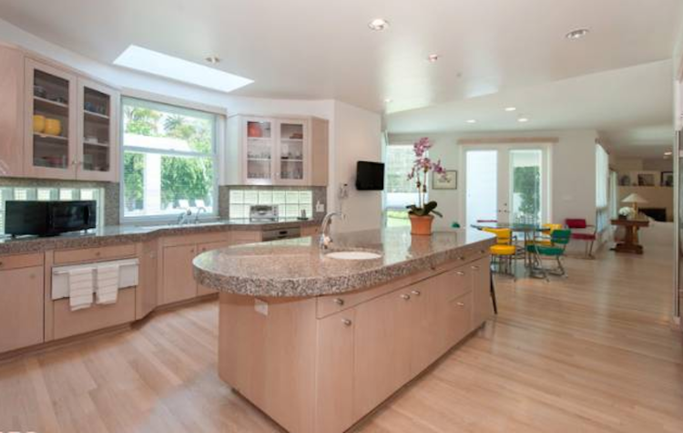 Michelle Oliver Luxury Real Estate  724 N Roxbury Drive, Beverly Hills 90210