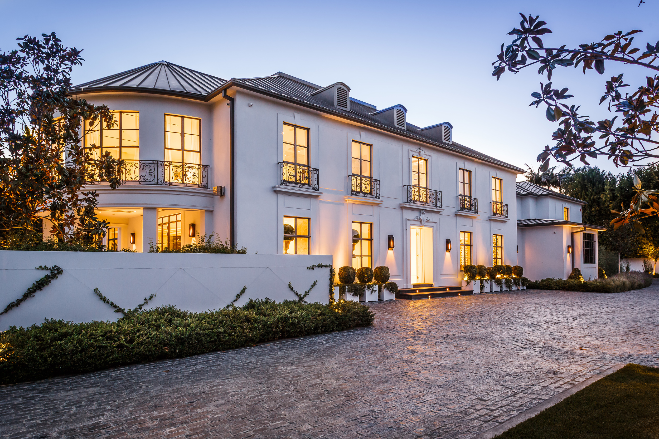 837 Greenway Drive Beverly Hills 90210