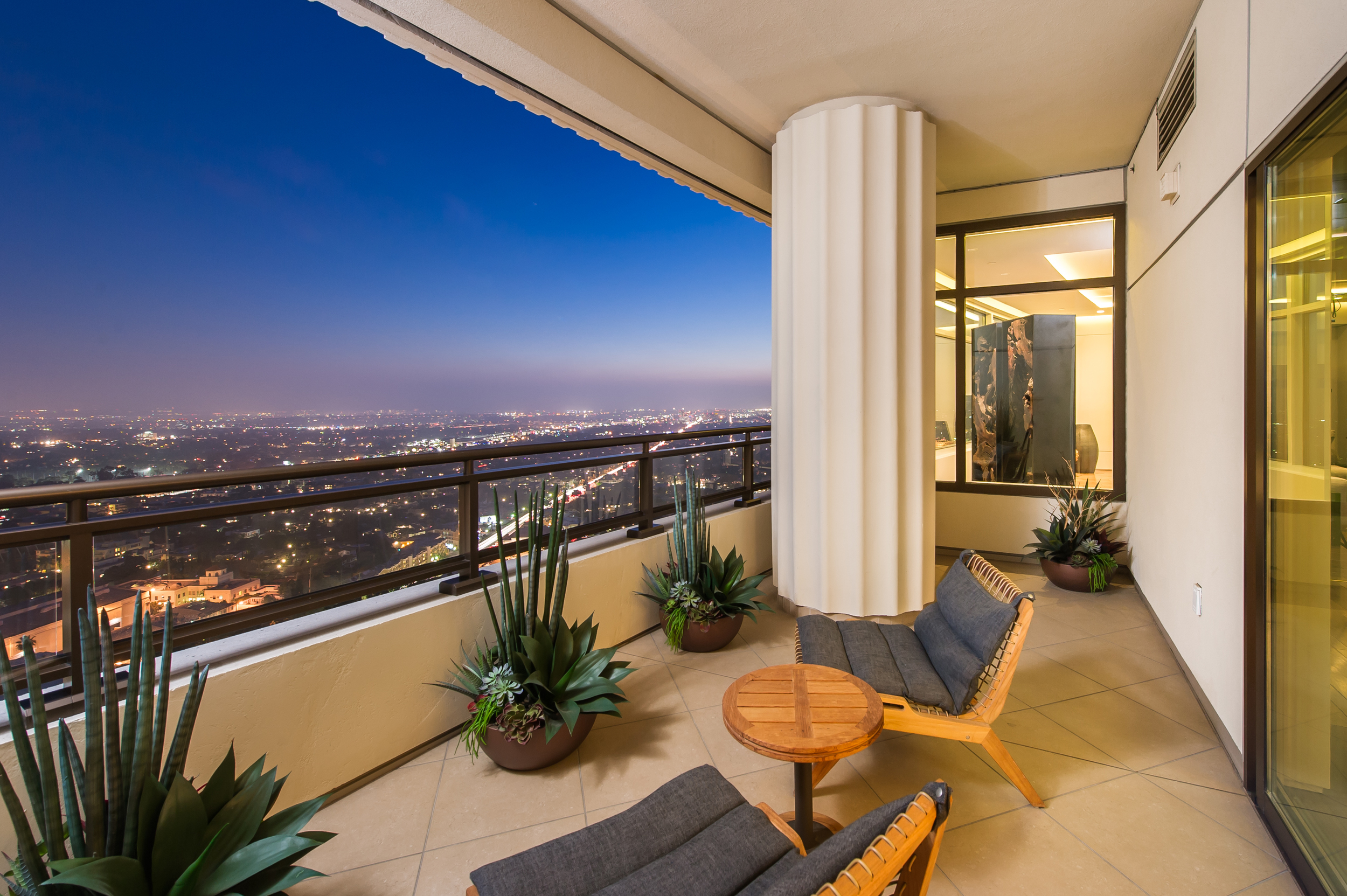 Michelle Oliver Luxury Real Estate  1 West Century Drive Unit 28A, Century City 90067