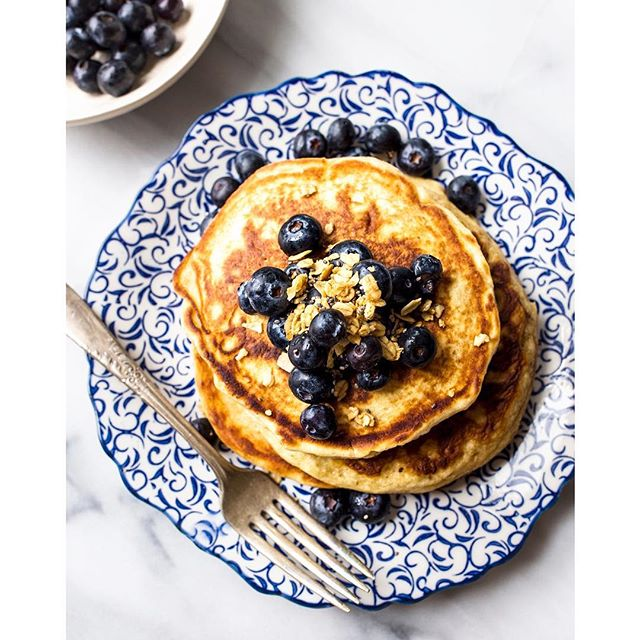 Pancake Queen 👑 . . . . . #blueberries #feedfeed #foodphotographer #foodstyling #foodstylist #portlandfoodphotographer #pdxfood #pdxeats #foodporn #breakfastlove #breakfastgoals #pancakes