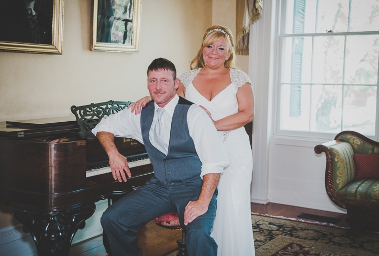 This image is perfect for the classic film look. The piano and attire work really well in supporting the overall feel.