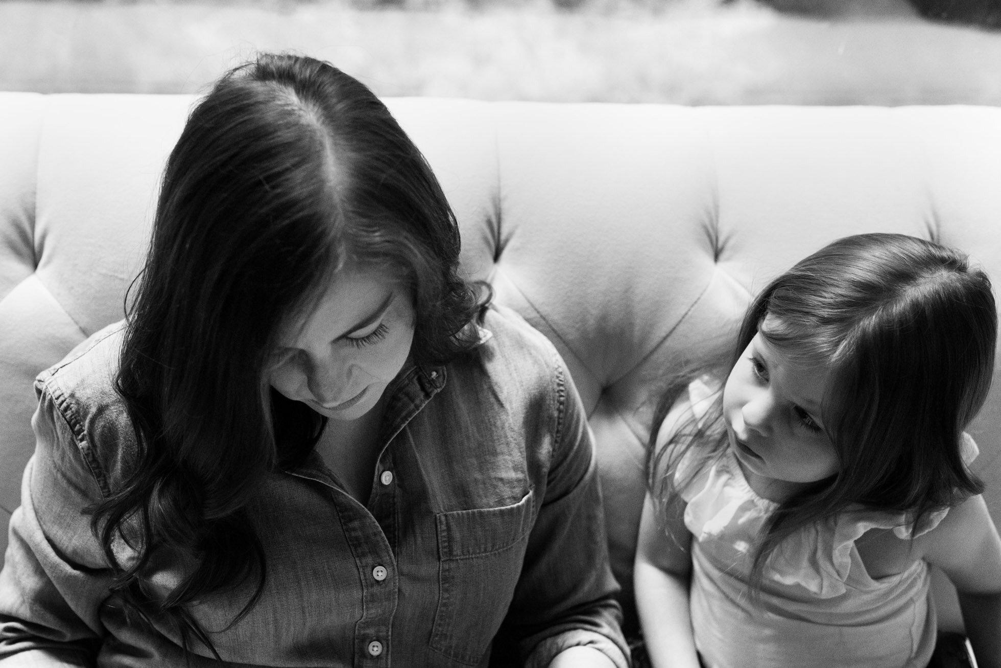 Mother_daughter_reading.jpg