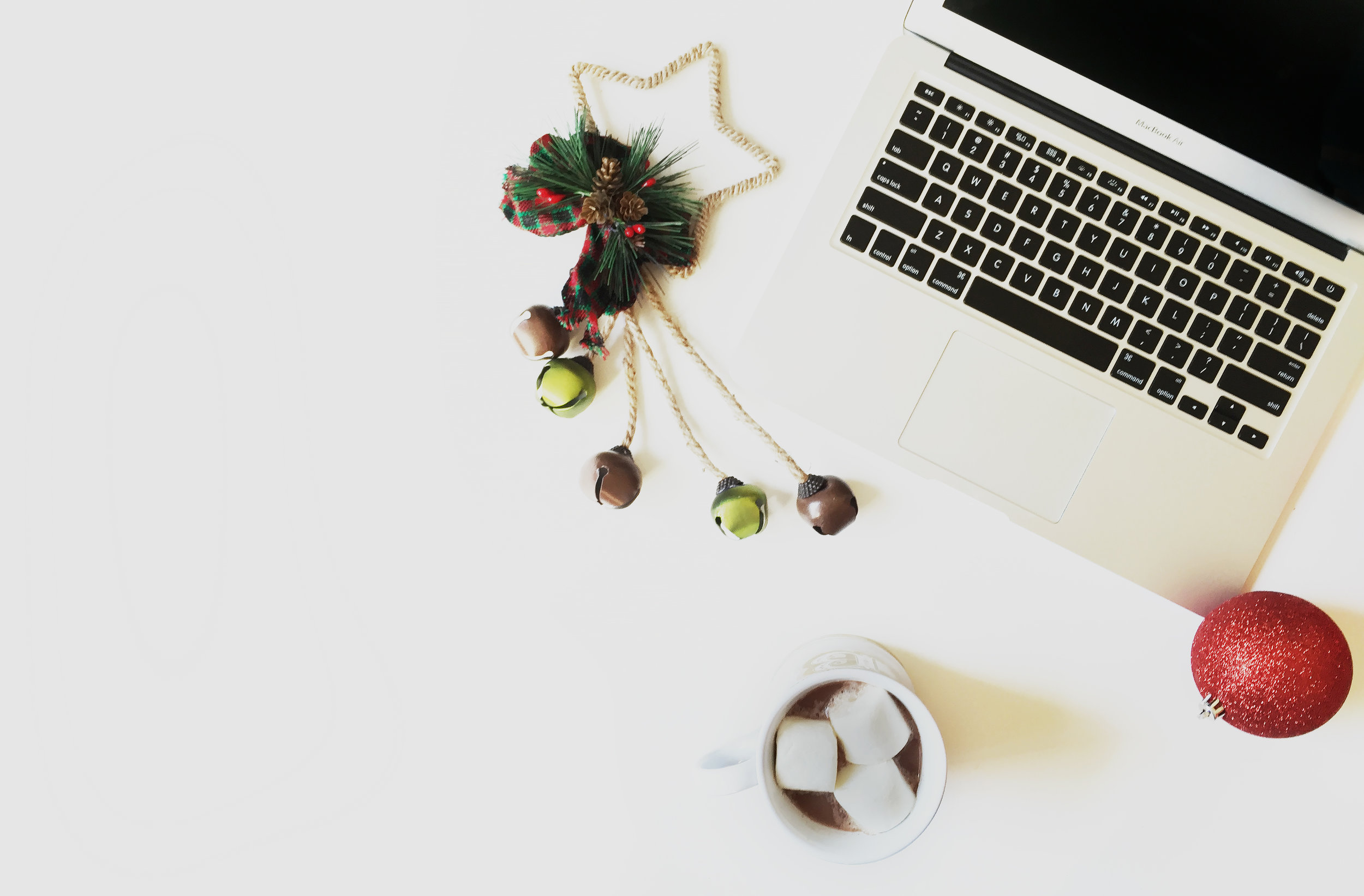 Free stock photo for Christmas, holiday, December for small business owners, solopreneurs, etsy shop owners